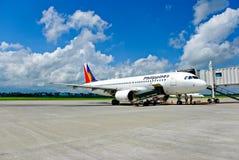 Aeroplano che carica il carico Fotografia Stock Libera da Diritti