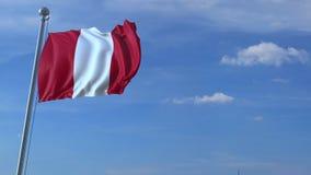 Aeroplano che sorvola bandiera d'ondeggiamento del Perù stock footage