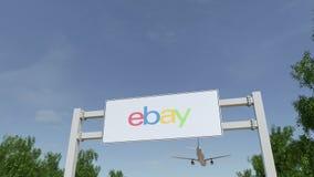 Aeroplano che sorvola il tabellone per le affissioni di pubblicità con eBay inc marchio 3D editoriale che rende clip 4K royalty illustrazione gratis