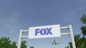Aeroplano che sorvola il tabellone per le affissioni di pubblicità con il logo di Fox Broadcasting Company 3D editoriale che rend royalty illustrazione gratis