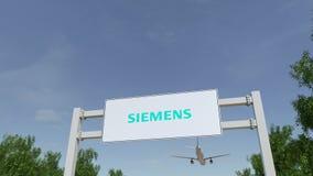 Aeroplano che sorvola il tabellone per le affissioni di pubblicità con il logo di Siemens 3D editoriale che rende clip 4K royalty illustrazione gratis