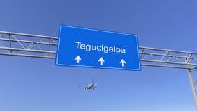 Aeroplano commerciale che arriva all'aeroporto di Tegucigalpa Viaggiando alla rappresentazione concettuale 3D dell'Honduras Fotografie Stock Libere da Diritti