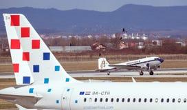 Aeroplano de Breitling DC-3 en Zagreb Foto de archivo