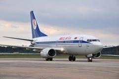 Aeroplano de las líneas aéreas de Belavia Fotos de archivo