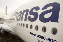 Aeroplano de Lufthansa Airbus A380 Fotografía de archivo libre de regalías