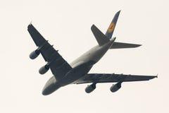 Aeroplano de Lufthansa Airbus A380 Fotos de archivo libres de regalías