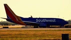 Aeroplano de Southwest Airlines en la pista de rodaje que se prepara para el despegue fotos de archivo