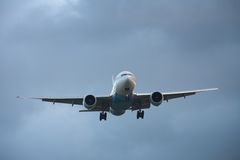 Aeroplano del aterrizaje imagen de archivo libre de regalías