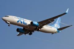 Aeroplano del jet che si avvicina a Rwy immagini stock libere da diritti