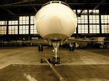 Aeroplano del jet in gancio Fotografie Stock