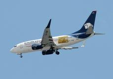 Aeroplano del pasajero de Aeromexico Imagen de archivo