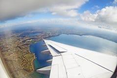 aeroplano del pasajero en vuelo Fotos de archivo libres de regalías
