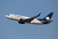 Aeroplano di AeroMexico Boeing 737-700 Immagine Stock Libera da Diritti
