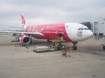 Aeroplano di AirAsia X Berhad all'aeroporto internazionale di Taoyuan, Taiwan Fotografia Stock