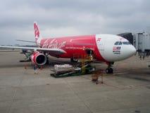 Aeroplano di AirAsia X Berhad all'aeroporto internazionale di Taoyuan, Taiwan Fotografie Stock