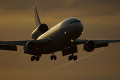 Aeroplano di atterraggio Fotografie Stock