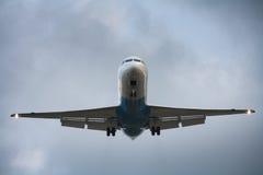 Aeroplano di atterraggio Immagine Stock