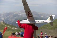 Aeroplano di modello controllato radiofonico in volo Fotografie Stock Libere da Diritti