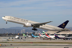 Aeroplano di Saudia Boeing 777-300 Fotografia Stock Libera da Diritti