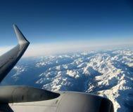Aeroplano durante il volo immagine stock libera da diritti