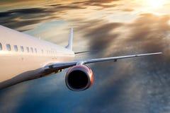 Aeroplano en cielo Fotografía de archivo libre de regalías