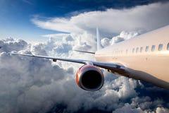 Aeroplano en cielo Foto de archivo