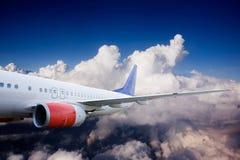 Aeroplano en cielo Imagen de archivo libre de regalías