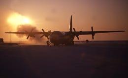 Aeroplano en el ártico imagenes de archivo