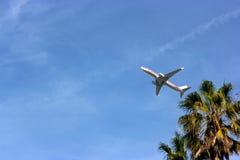 Aeroplano en el cielo Imagen de archivo libre de regalías