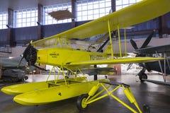 Aeroplano hidráulico viejo en Nikola Tesla Technical Museum en Zagreb, Croacia imagen de archivo