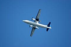 Aeroplano nel decollo fotografia stock