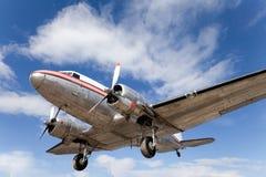 Aeroplano restablecido DC-3 de la vendimia Foto de archivo