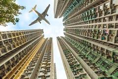 Aeroplano sopra il distretto residenziale Immagini Stock Libere da Diritti