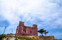 Aeroplano sopra un castello rosso Fotografia Stock Libera da Diritti