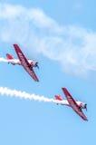 Aeroplanos aeroacrobacias de las personas de AeroShell Imagen de archivo