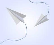 Aeroplanos de papel en el cielo Foto de archivo libre de regalías
