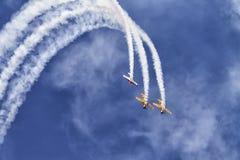 Aeroplanos en el cielo Fotografía de archivo libre de regalías