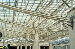 Aeroport Charles de Gaulle 2 TGV, en drevstation på den huvudsakliga flygplatsen nära Paris Royaltyfria Foton