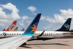 Aeroporto brasiliano di Recife degli aeroplani fotografia stock libera da diritti