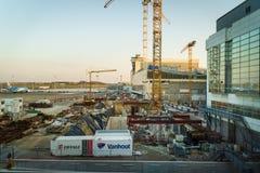 Aeroporto de Bruxelas, Bélgica, em março de 2019 Bruxelas, área da construção para a extensão do aeroporto fotografia de stock royalty free