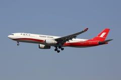 Aeroporto de Hongqiao do avião de Shanghai Airlines Airbus A330-300 Foto de Stock
