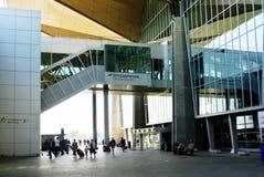 Aeroporto de Pulkovo, área na frente da chegada terminal nova do ` s Imagem de Stock Royalty Free