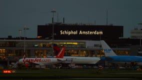 Aeroporto de Shiphol no amanhecer filme