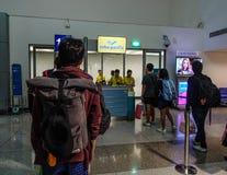Aeroporto de Tan Son Nhat em Saigon, Vietname fotografia de stock royalty free