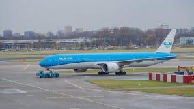 Aeroporto di Amsterdam, Schiphol KLM Asia Boeing 777 fotografie stock