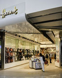 Aeroporto di Heathrow - Harrods Fotografia Stock