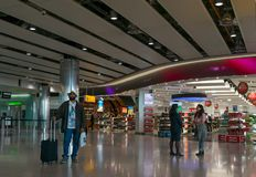 Aeroporto di Heathrow a Londra - concorso di compera fotografia stock