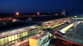Aeroporto di Helsinki stock footage