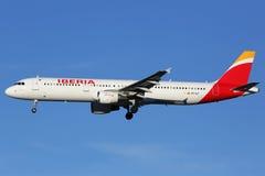 Aeroporto di Madrid dell'aeroplano di Iberia Airbus A321 Fotografia Stock Libera da Diritti