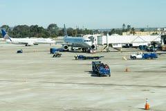 Aeroporto di San Antonio - aeroplani sulla rampa Fotografie Stock Libere da Diritti